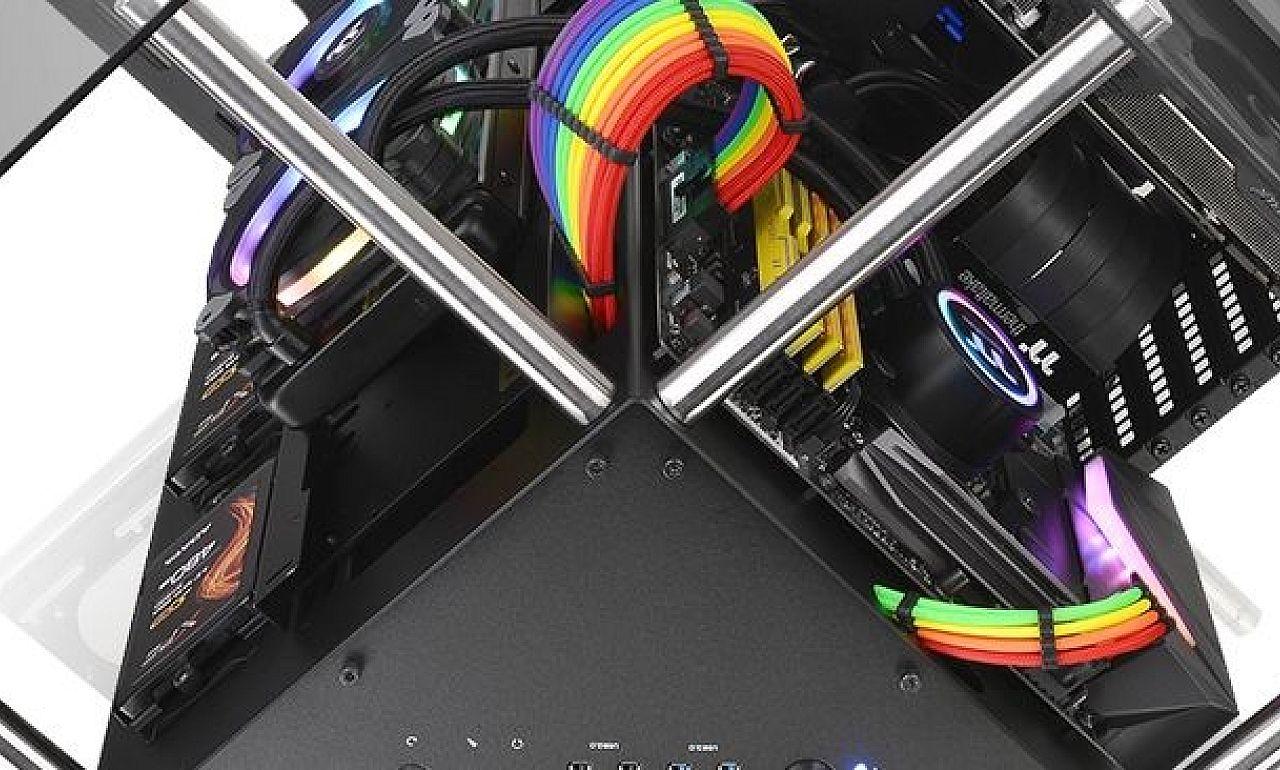 Mtrgynak Is Elmenne A Thermaltake J Klnleges Szmtgphza Core P90 Tempered Glass